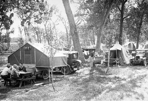 RV-Overland-Park-trailer-camp-1925-4-300x205